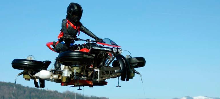 Anuncian la producción de la primera moto voladora de la historia