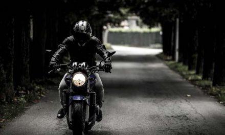 Consejos para viajar en moto y evitar accidentes