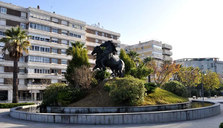 Rotonda Plaza del Caballo en Jerez de la Frontera.