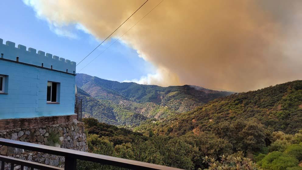 Incendio Sierra Bermeja. Juzcar el pueblo de los Pitufos.